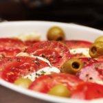 Pomodori e altre verdure in casseruola
